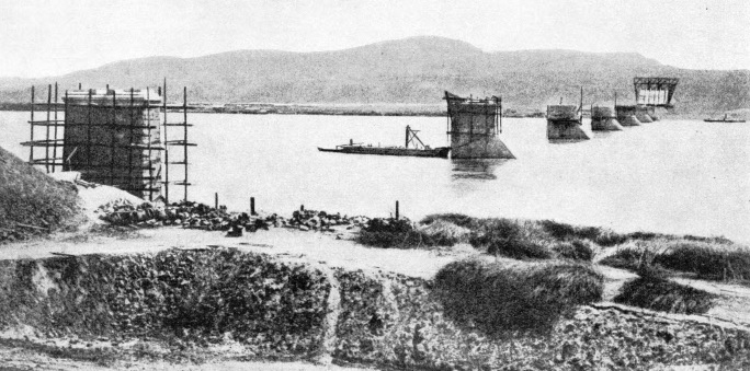Building the Yenisei Bridge