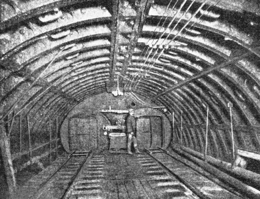 Twin Air-Lock in the Hudson Tunnel