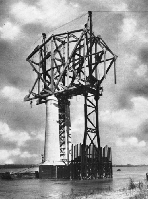 Building out the superstructure of the Huey Long Bridge