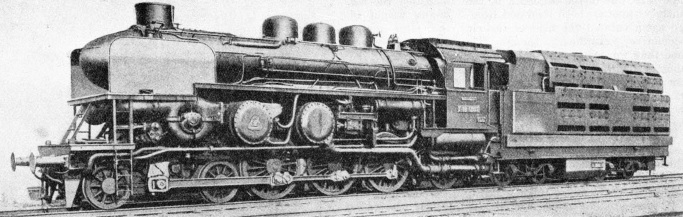 This 4-6-2 locomotive has turbines of the Zoelly type